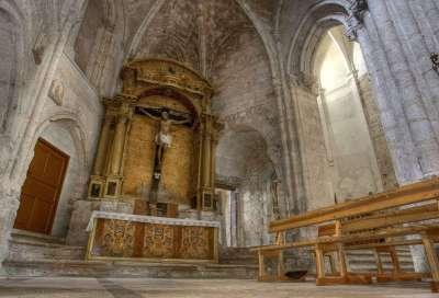 Retablo de El Crucificado, de la iglesia de Santa María La Real, en la localidad burgalesa de Sasamón, que la Fundación del Patrimonio Histórico va ha comenzar a restaurar con una inversión de 47.000 euros.